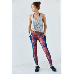 UO Without Walls Etta Floral Pocket Legging